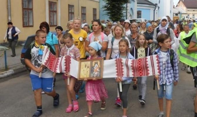 /latest-news/item/972-u-pishu-proshchu-rodyn-mihrantiv-sambir-zarvanytsia-vyrushylo-268-palomnykiv.html