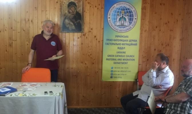 /latest-news/item/611-holova-pmv-vruchyv-sertyfikaty-uchasnykam-vii-dukhovno-formatsiinoho-seminaru-dlia-sviashchenykiv-misioneriv.html