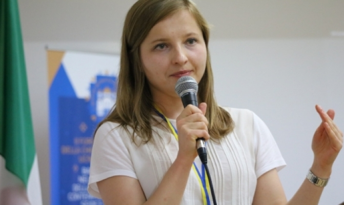 /latest-news/item/846-na-ii-forumi-mihrantiv-uhkts-prezentuvaly-sotsiolohichnyi-portret-ukraintsia-u-paryzhi.html