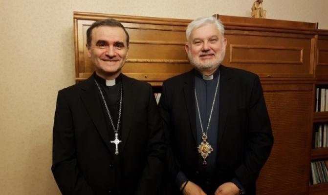 /latest-news/item/888-holova-pmv-zustrivsia-z-apostolskym-administratorom-v-estonii.html