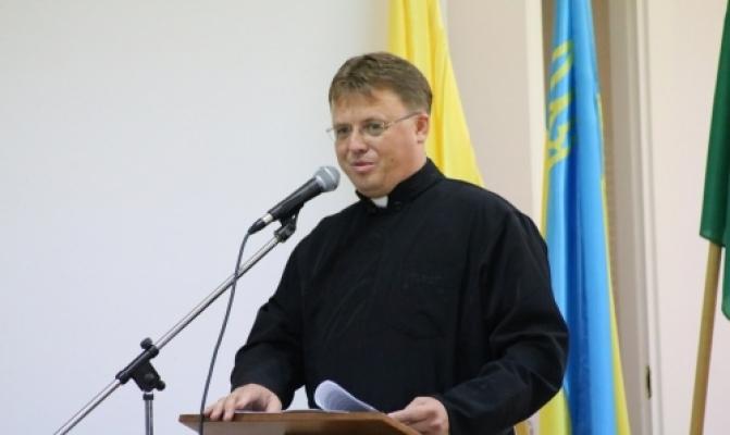 /latest-news/item/843-o-ihor-danylchuk-ukrainskykh-ditei-v-italii-duzhe-bahato-i-tserkva-maie-ikh-u-rizni-sposoby-zibraty-u-subotni-shkoly.html