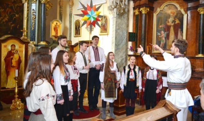 /latest-news/item/719-u-budapeshti-vidbuvsia-pershyi-ukrainsko-uhorskyi-rizdvianyi-festyval.html