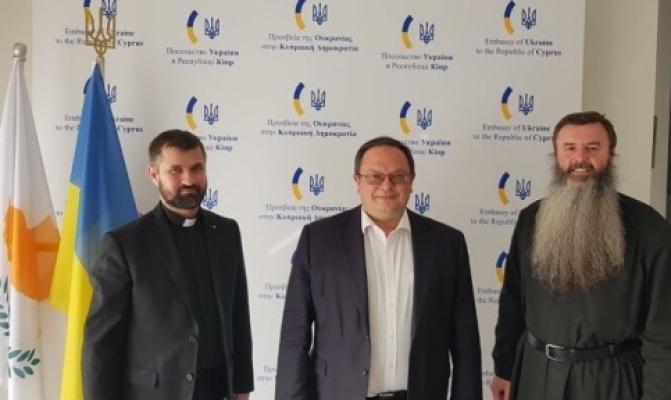 /latest-news/item/1163-u-nikosii-zastupnyk-holovy-pmv-zustrivsia-z-katolytskymy-iierarkhamy-i-poslom-ukrainy.html