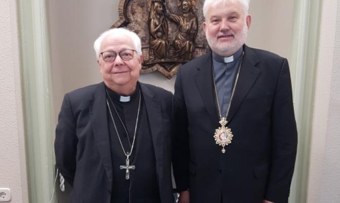 /latest-news/item/844-golova-pmv-zustrivsya-z-episkopom-zhironi.html
